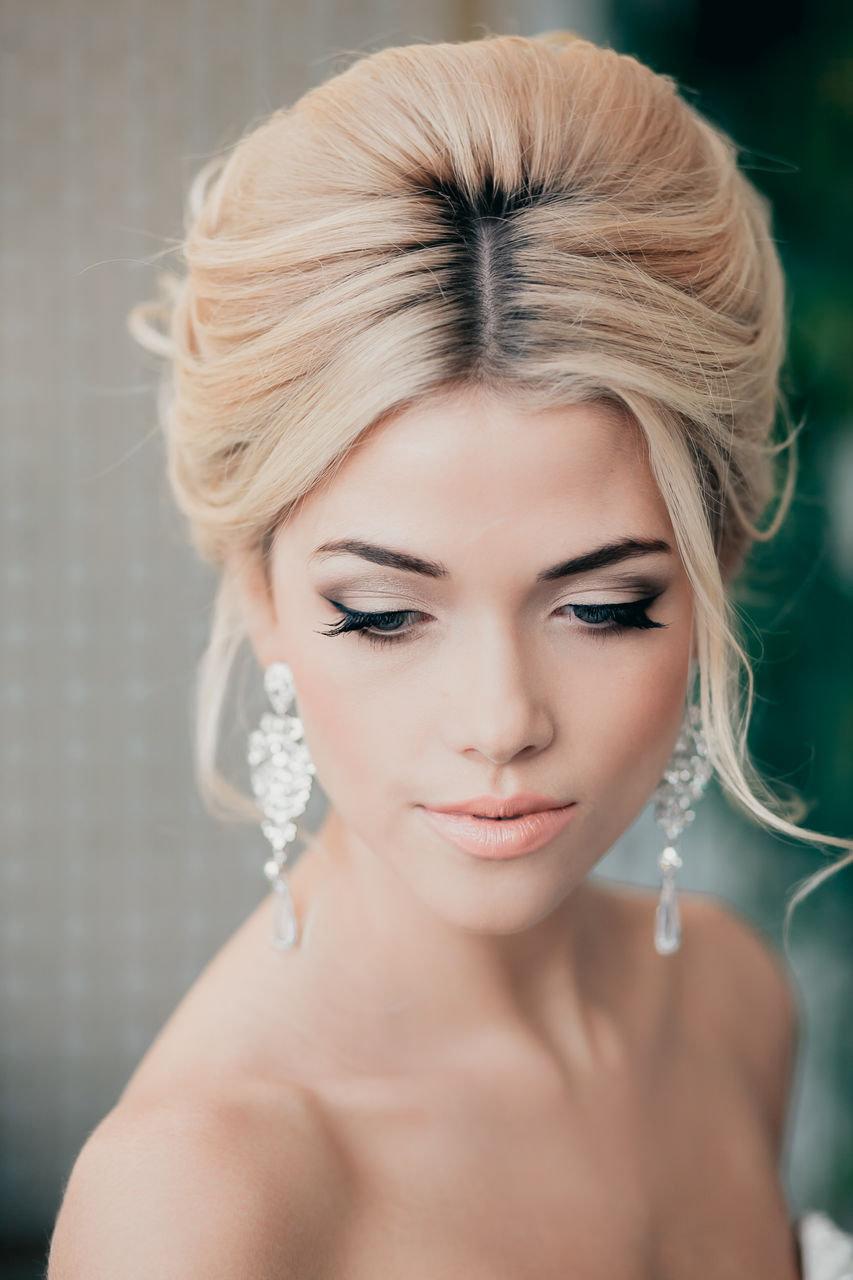 Свадебная прическа с поднятыми волосами