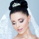 svadebnyye-pricheski-s-fatoy