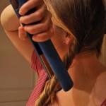 как правильно завить волосы утюжком